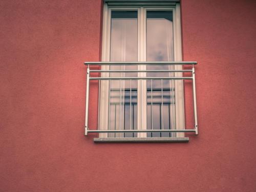 Französische Balkone und Austritte